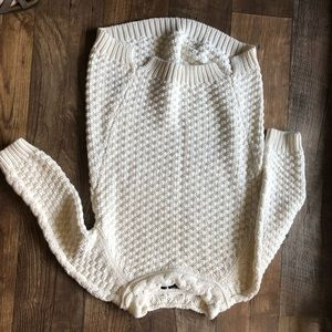 Sweaters - White sweater